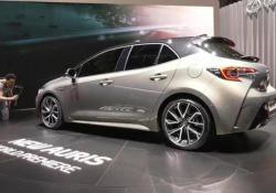 Doppio ibrido per la nuova Toyota Auris