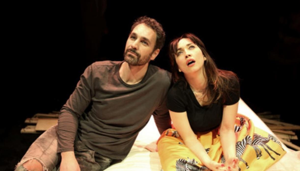 Squilli di cellulare in teatro durante la pièce, Bova lascia il palco