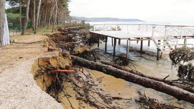 erosione costa eraclea minoa, Agrigento, Politica