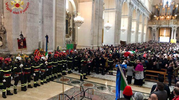 esplosione catania, funerali vigile del fuoco, Catania, Cronaca