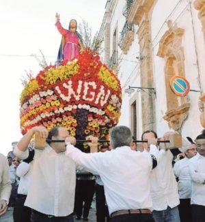 La processione del Gesù Nazareno inaugura la Settimana Santa di Caltanissetta