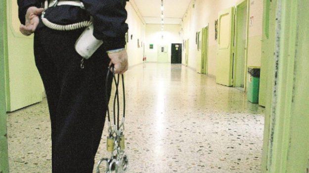 guardie carcere trapani, Trapani, Cronaca