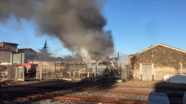 incendio stazione paternò, Catania, Cronaca