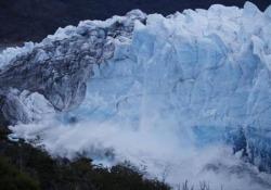 Lo spettacolo della rottura del ghiacciaio Perito Moreno (in diretta)