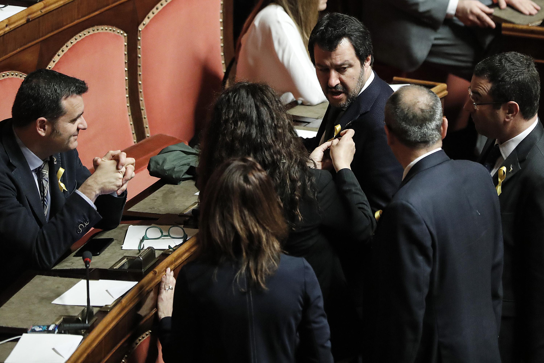Prosegue lo scontro tra Luigi Di Maio e Matteo Salvini
