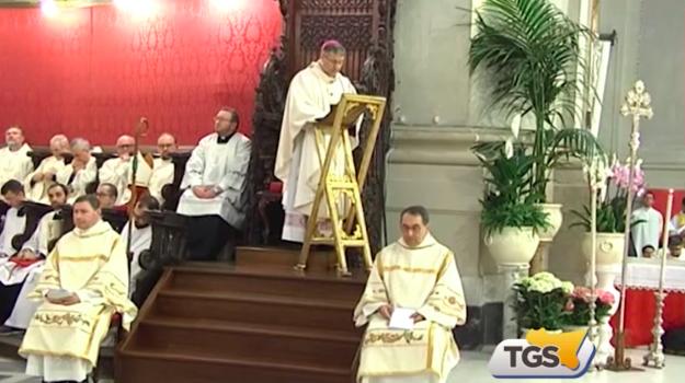 """""""Stare dalla parte del bene e dei poveri"""": il messaggio del cardinale Lorefice nella messa crismale"""