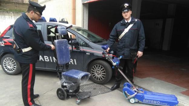 Montascale per disabili rubati a palermo ritrovati in un for Montascale usato