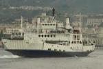 Nello stretto una nave alimentata a gas naturale