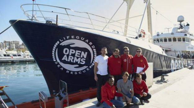 Sequestrata nave ong, Ragusa, Cronaca
