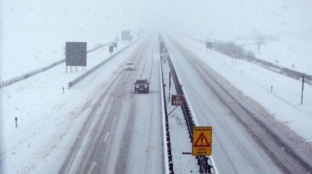 Freddo nord, Maltempo, meteo, neve, Neve al nord, Neve autostrade, parma palermo rinviata, Sicilia, Meteo