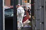 Donna uccisa davanti scuola nel Napoletano, aveva accompagnato la figlia: ricercato il marito
