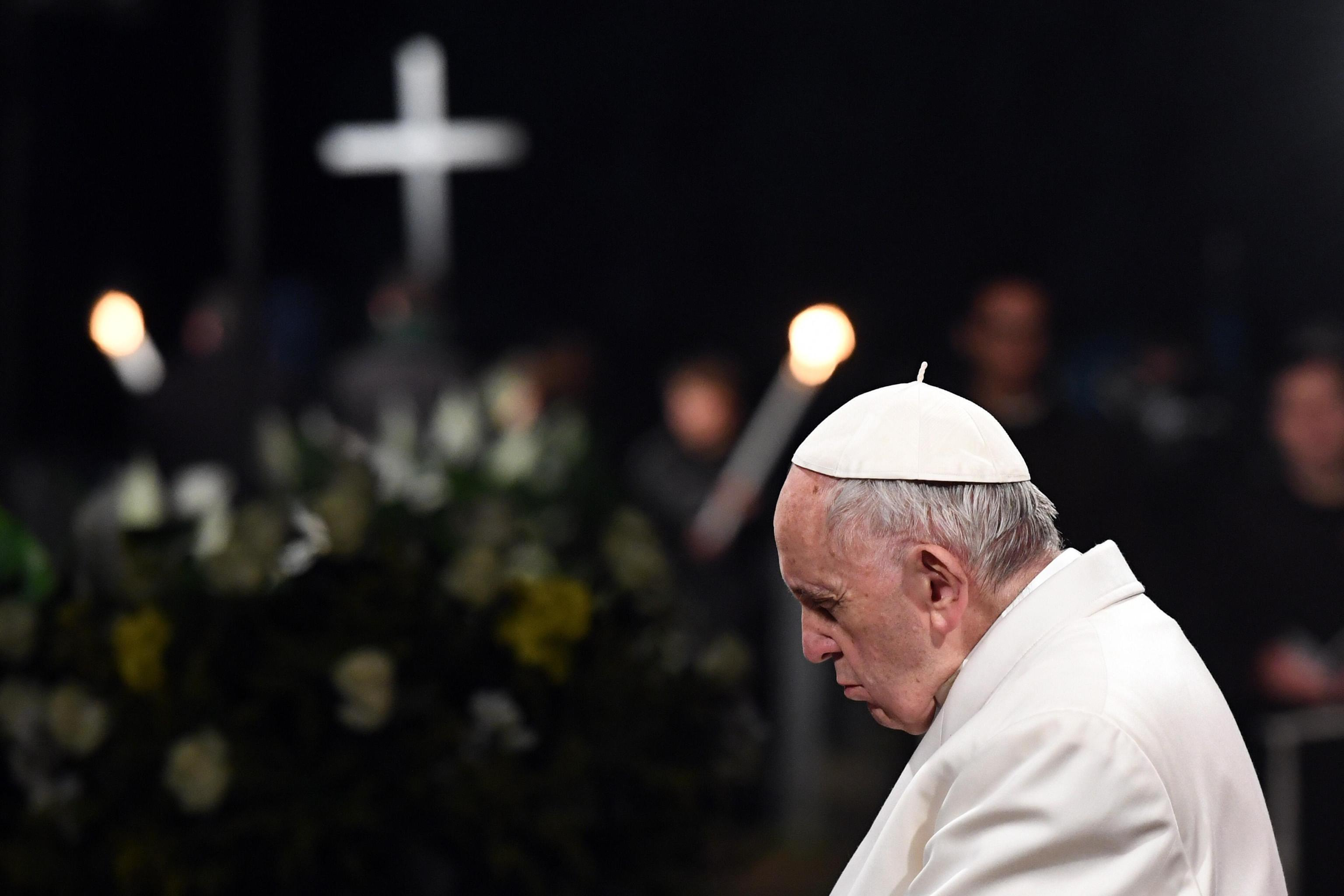 Papa Francesco prega per la Corea