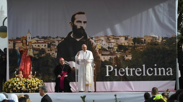 padre pio, papa pietrelcina, papa san giovanni rotondo, Padre Pio, Papa Francesco, Sicilia, Cronaca