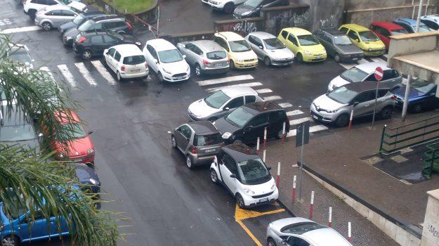 """""""Degrado e criminalità"""", è allarme sulla zona di largo Paisiello a Catania"""
