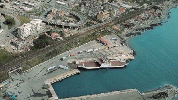 Porto tremestieri Messina, Messina, Economia