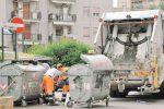 Caltanissetta assediata dai rifiuti ma la raccolta finalmente è ripresa