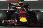 Test a Barcellona, la Red Bull di Ricciardo fa paura: Mercedes e Ferrari dietro