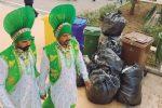 Cestelli stracolmi in centro ad Agrigento, festival del folklore assediato dai rifiuti