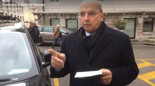 """Sindaco di Trieste multato se la prende con i vigili: """"Ora starò molto attento al loro operato"""" - Video"""