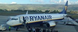 Volo Ryanair Palermo-Roma parte con sei ore di ritardo, protestano i passeggeri
