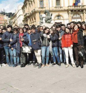 Lingua straniera e teatro, spettacolo didattico per gli studenti di Caltanissetta