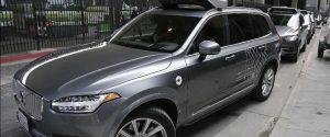 Donna investita e uccisa da un'auto a guida autonoma di Uber, sospesi tutti i test