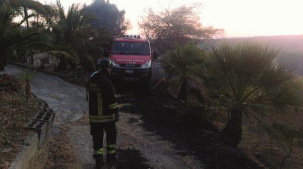 incendio villa cattolica eraclea, Agrigento, Cronaca