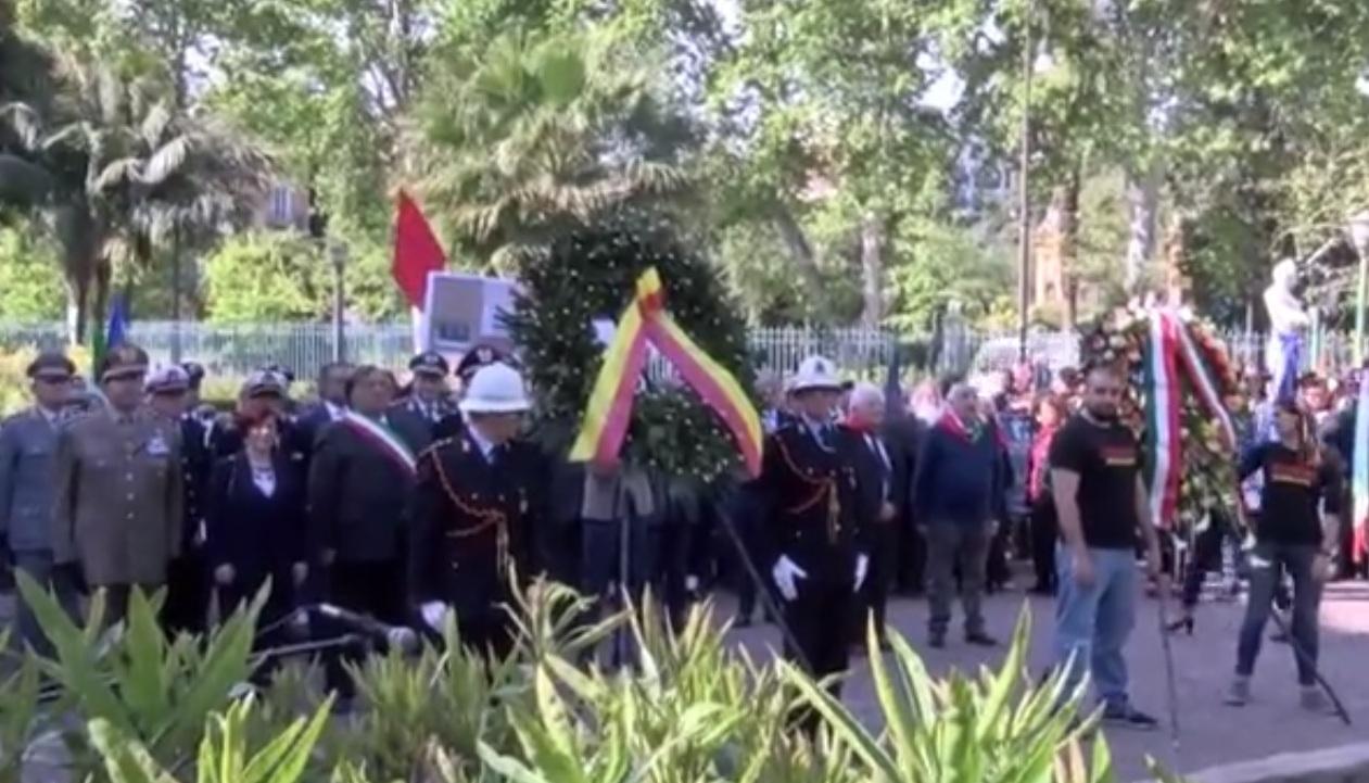 25 Aprile, la cerimonia al Giardino Inglese a Palermo: corteo fino ...