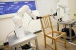 Due bracci robotici montano una sedia dell'Ikea in 8 minuti (fonte: NTU Singapore)