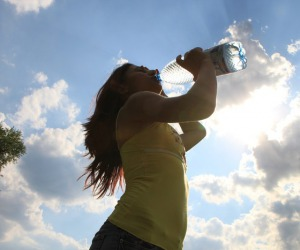 Le donne hanno una vita più sana rispetto agli uomini (fonte: Pixabay)