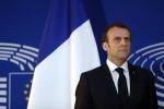 Macron: lo sbarco dei migranti avvenga nel porto sicuro più vicino