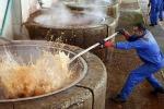 Tessile, da Ue restrizioni per 33 agenti chimici pericolosi