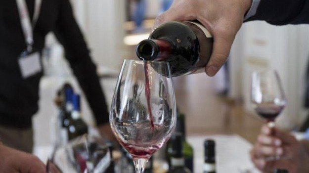 città del vino noto, Siracusa, Economia