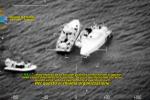 """Migranti, """"viaggi di lusso"""" su barche veloci. Sfuggono ai controlli: """"Rischio terroristi a bordo"""""""