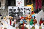 Raduno per la vita di Alfie Evans davanti l'Ambasciata della Gran Bretagna a Varsavia