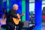 """Il vescovo di Noto Antonio Staglianò si esibisice a """"La Vita in Diretta"""""""