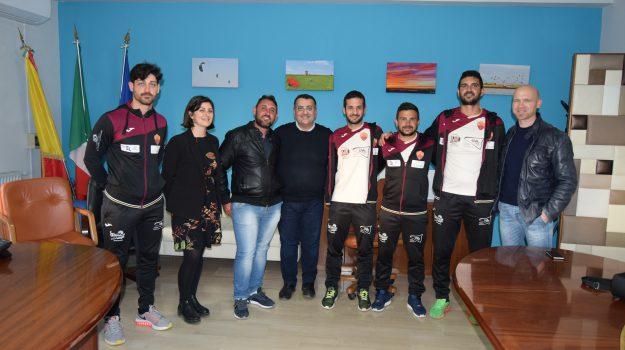 Bianco Arancio Petrosino promosso in seconda categoria, l'incontro con il sindaco