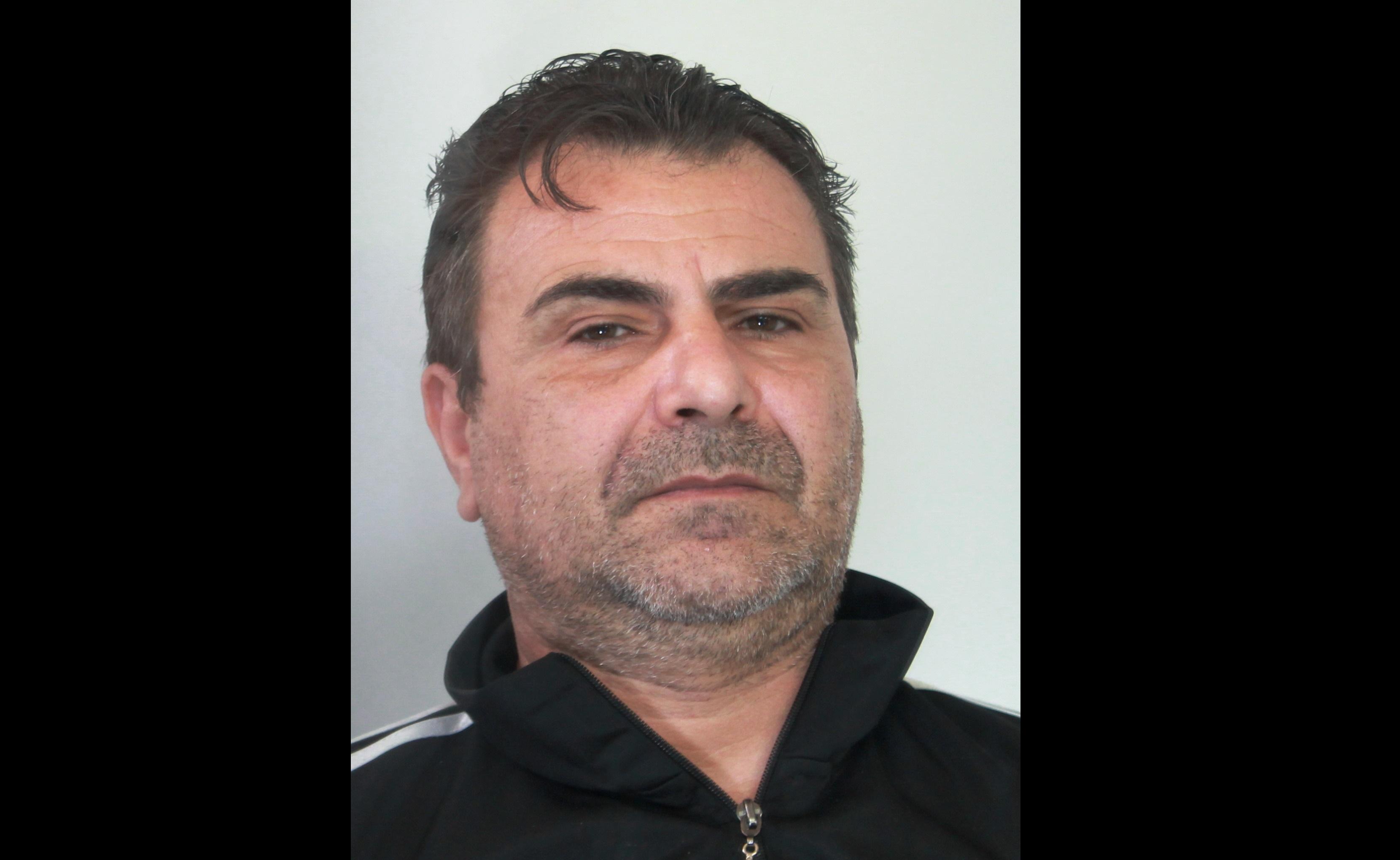 Tentato omicidio, accoltella il vicino di casa dopo una lite: arrestato 49enne