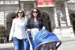 Registrato all'anagrafe di Torino un bambino figlio di due madri: primo caso in Italia