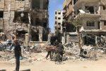 Siria, ispettori dell'Opac a Duma: trovata fossa con 30 cadaveri
