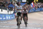 Sagan domina la Parigi-Roubaix, paura per Goolaerts: cade e va in arresto cardiaco
