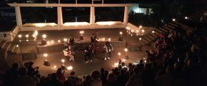 A Stromboli la Festa di teatro eco-logico, arte e musica senza corrente elettrica