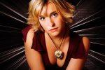 """L'attrice di """"Smallville"""" Allison Mack incriminata per traffico sessuale"""