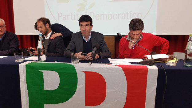 assemblea pd, consultazioni governo, nuovo governo, Maurizio Martina, Sicilia, Politica