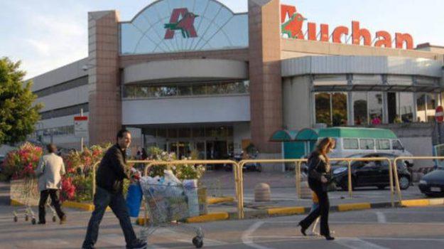 Auchan Catania, Uiltucs Sicilia, Catania, Economia