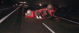 Nella foto di Seguonews l'auto distrutta a seguito dell'incidente
