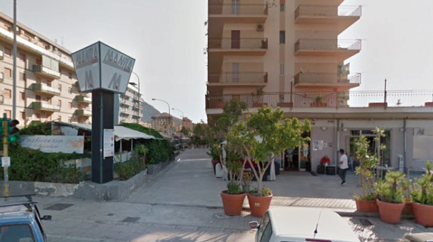 furto bar manila palermo, Palermo, Cronaca