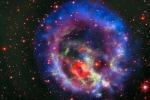 Un anello gassoso avvolge la Piccola Nube di Magellano (fonte: ESO, NASA, ESA,Hubble Heritage Team, STScI/AURA, /F. Vogt et al.)