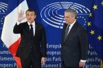 Emmanuel Macron e Antonio Tajani