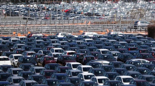 auto, obbligo frenata automatica, Sicilia, Mondo